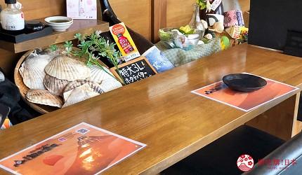 大阪難波海鮮大餐店家推薦「知床漁場 道頓堀店」的店內吧檯座位