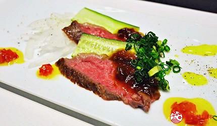 神户三宫名店「彩 SAI-DINING」的前菜 烤神户牛(神戸牛のローストビー)