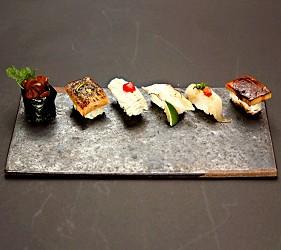 大阪心齋橋星鰻飯專賣店推薦「道頓堀穴子家」的星鰻四種握壽司