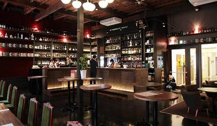 日本京都「酒的美術館 三条總店」店內一景