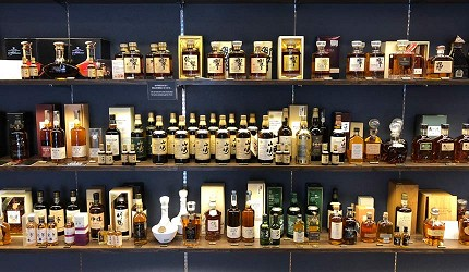 日本威士忌名酒購買推薦京都「酒的美術館 清水寺店」的店內一景