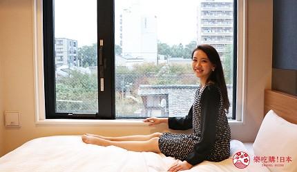 京都七條住宿推薦「HOTEL GLAD ONE 京都七條」的房間窗景採光佳