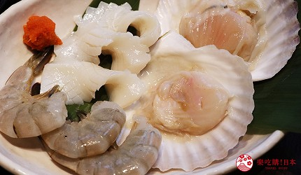 大阪推薦必吃的和牛燒肉店「黒べこ屋 裏難波店」的「極上和牛吃到飽」套餐也有海鮮拼盤