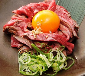 大阪推薦必吃的和牛燒肉店「黒べこ屋 裏難波店」的各種美味單點肉品
