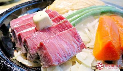 神戶近郊頂級黑毛和牛鐵板燒推薦「三田屋本店安逸之鄉」的黑毛和牛菲力牛排(黒毛和牛ヘレステーキ)上放了奶油塊