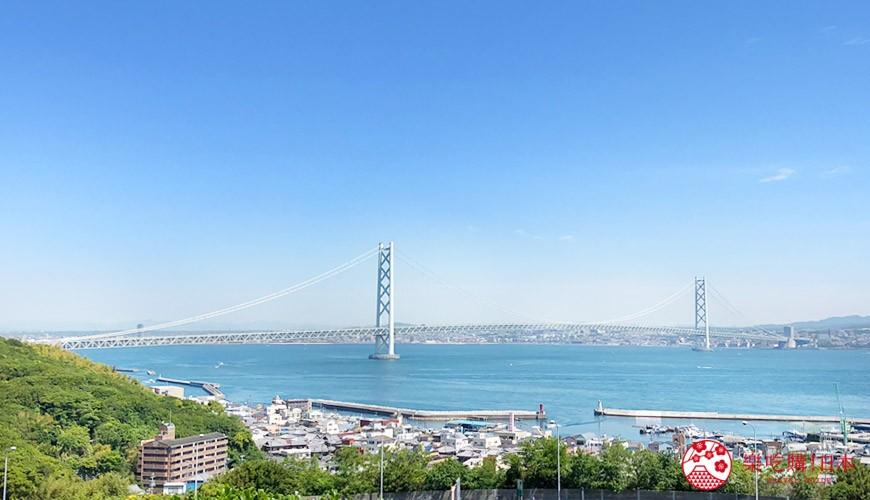 連結日本關西「淡路島」與神戶的「明石海峽大橋」