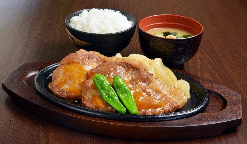 大阪岸和田南下服務區(岸和田SA下り)的「大和豬生薑燒」