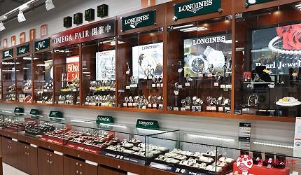 大阪道頓堀電器行推薦「愛電王」店內販售的手錶有勞力士、卡地亞、萬國名錶