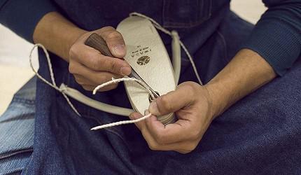 大阪難波購物商場推薦「難波SkyO」的職人手工包包配件店家「IWASA 岩佐」職人製作草履