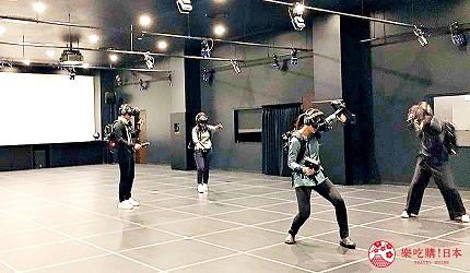 大阪梅田VR虛擬實境遊樂場「VR ZONE OSAKA」的遊戲勇者鬥惡龍(ドラゴンクエストVR)遊玩中