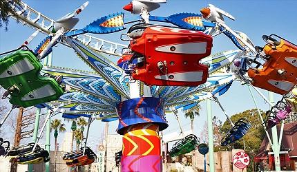 大阪推薦親子遊樂園「枚方公園」的遊樂設施「風箏飛人」(カイトフライヤー)