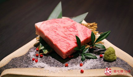 大阪難波高級和牛燒肉推薦「牛の蔵」的極上沙朗牛排