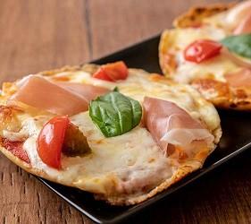 大阪天神橋筋商圈必吃推薦「串炸酒場」的瑪格麗特披薩