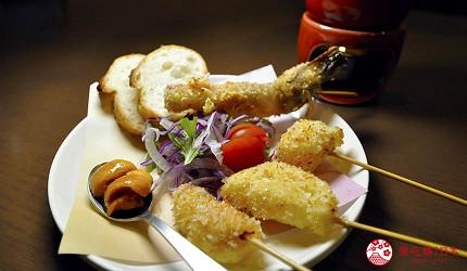 大阪天神橋筋商圈必吃推薦「串炸酒場」的濃厚海膽醬佐串炸拼盤