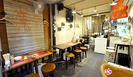 大阪天神橋筋商圈必吃推薦「串炸酒場」的居酒屋風座位區