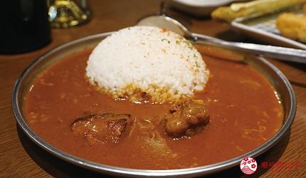 奈良用餐推荐近铁奈良站1分钟「NALALA 美食天地」的店家「串炸大魔神」的辣咖哩