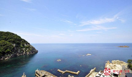 城崎日和山溫泉旅館「金波樓」的岬之館和室往外看的海景
