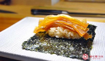 大阪心斋桥推荐高级寿司店「寿司割烹 いぶき」的「季节逸品严选顶级套餐」(季节の逸品料理を织り交ぜて おまかせ握りコース)的干瓢卷寿司