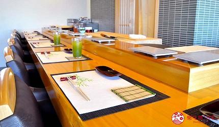 大阪心齋橋推薦高級壽司店「寿司割烹 いぶき」店內的吧檯座位