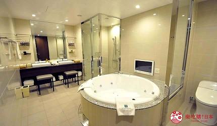 京都旅遊市區住宿推薦「京都 Ublhotel」的豪華大浴室
