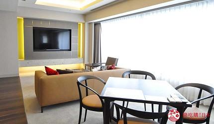 京都旅遊市區住宿推薦「京都 Ublhotel」的寬敞客廳