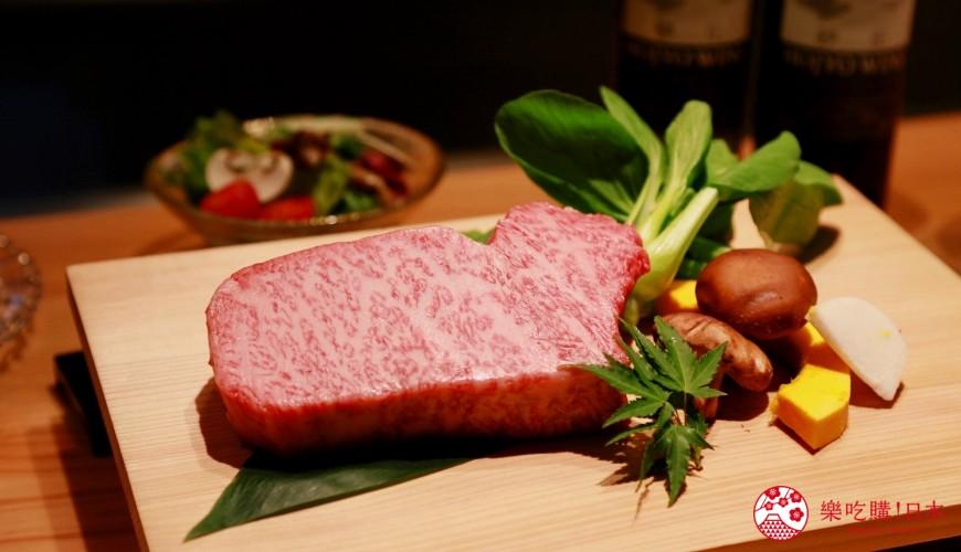 大阪心斋桥和牛铁板烧店「鸟取和牛 大山不二家」的鸟取和牛牛肉