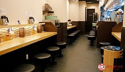 大阪心齋橋必吃沾麵「麺匠たか松」的店內吧檯式座位