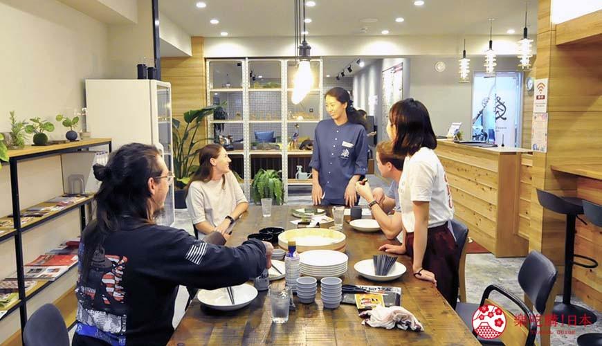 日本大阪的平價住宿酒店推介推薦THE STAY OSAKA 心齋橋在館內舉辦自製握壽司體驗活動