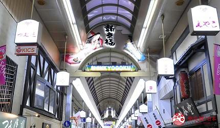 京都河原町和牛燒肉推薦「焼肉どうらく 京都六角通り店」店家附近的街景