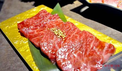 京都河原町和牛燒肉推薦「焼肉どうらく 京都六角通り店」的限定海陸雙饗宴「特選神戶牛與北海海鮮套餐」的稀少部位側腹牛肋肉