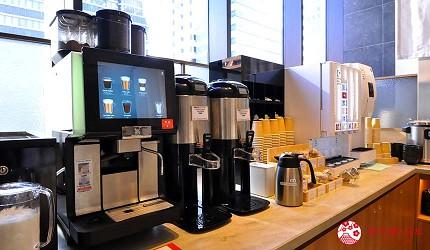 日本自由行大阪交通方便住宿推介karaksa hotel grande 新大阪 Tower唐草飯店的飲料自助吧