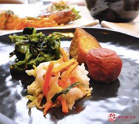 日本自由行大阪交通方便住宿推介karaksa hotel grande 新大阪 Tower唐草飯店房內的可望到的早餐提供的醃菜