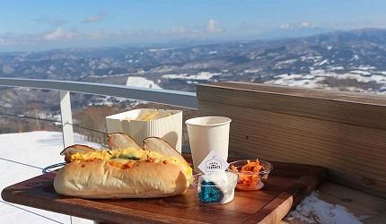 日本關西北海道新潟滑雪自由行滑雪場推薦5選之一的高鷲Snow Park的露天餐廳的餐飲食物