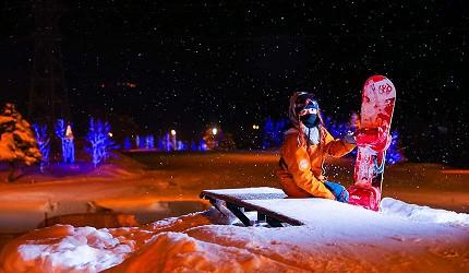 日本關西北海道新潟滑雪自由行滑雪場推薦5選之一的「Dynaland」的夜滑景致