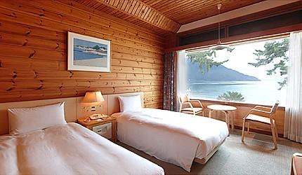 日本關西北海道新潟滑雪自由行滑雪場推薦5選之一的箱館山滑雪場的琵琶湖畔酒店房間