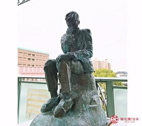 關西自由行必去推薦推介大阪難波和泉市可見沈思者KUSO惡搞雕塑課長島耕作